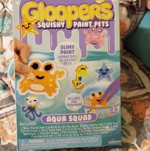 Gloopers- aqua squad- squishy paint pets